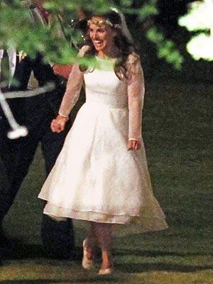 La Columnaria Blog | Natalie Portman y su retro vestido de novia