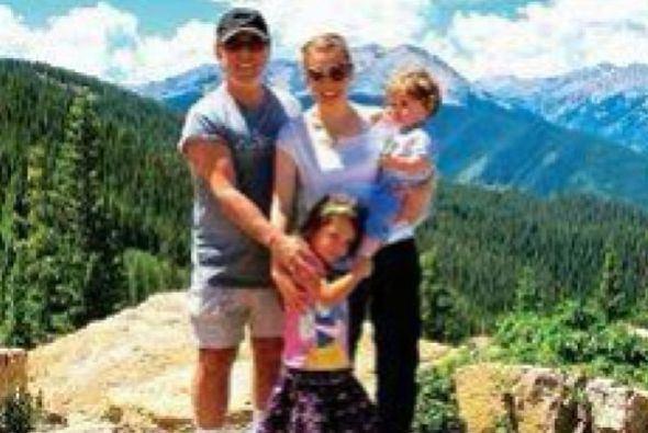 Rodeados de nauraleza Thalía,Tommy y sus hijos Matthew Alejandro y ...